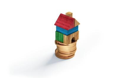 Budowa domu: kredyt czy gotówka? Kalkulator!